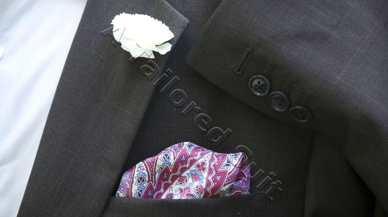 pocket-square-sleeve-buttons-white-carnation-bulb-boutonniere
