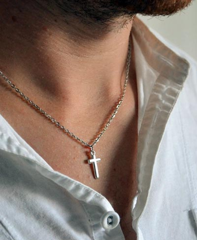 man-cross-necklace-400